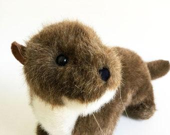 "River Otter, stuffed animal, Moveable Head, K & M International, Vintage Plush, 1998, 18"""