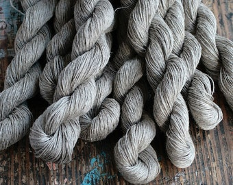 Linen yarn -- natural flax colour  -- 4-ply - Light Fingering