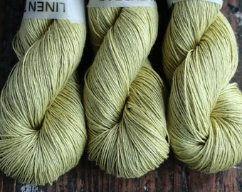 Linen yarn -- 6-ply - fingering -- pear green