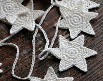 Crochet Garland - Wall Hanging - Small Bunting - 12 Stars garland -  off white