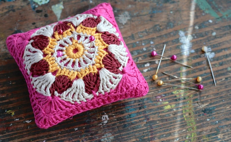 Linen  pincushion  crochet motif image 0
