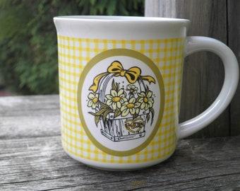 Vintage Mom Mug - Retro Flower Basket & Yellow Gingham Kitschy Coffee Mug, 1980s Floral Coffee / Tea Cup Gift for Mom, Sweet Mothers Day Mug