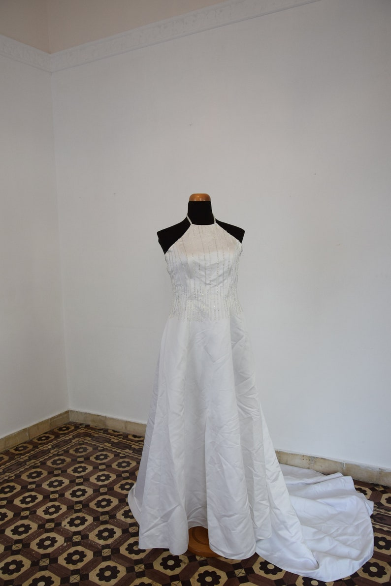 Plus size vintage embellished wedding dress with tail White satin open back wedding gown.