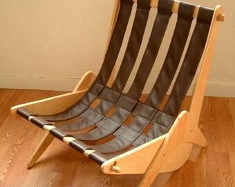 Leentu Lounge Chair  Mid Century Modern Classic Design Eames Era Boomerang