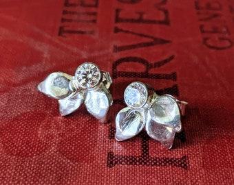 Leaf Stud Earring with Gemstones in Sterling Silver Gift for Her Holiday Earrings Post Earrings Birthstone Earrings Bridal Bridesmaids Gift
