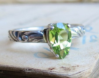 Peridot Ring Pear Shaped Ring / August Birthstone Ring / Unique Engagement Ring / Gothic Ring Green Ring Sterling Silver / Promise Ring