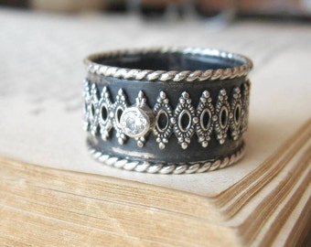 Cigar Band Victorian Ring with Gemstone in Oxidized Finish