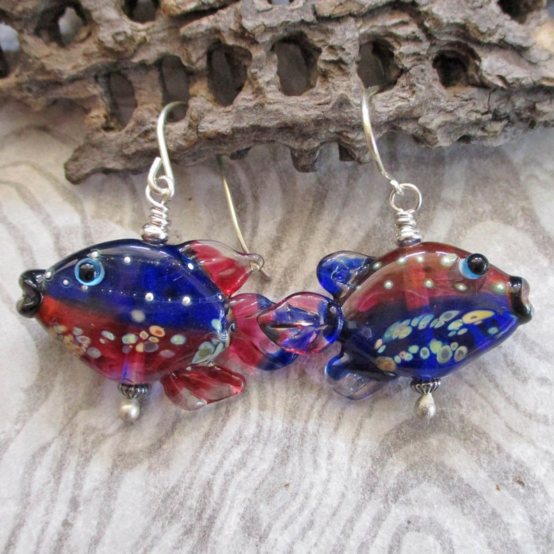 Glass fish bead earrings lampwork blue & dark pink oppo-fish image 0