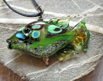 Green Fish necklace lampwork glass bead pendant, 'tiddly winks' style fish sculpture, ocean summer necklace, Isinglass Design, Laurie Ament