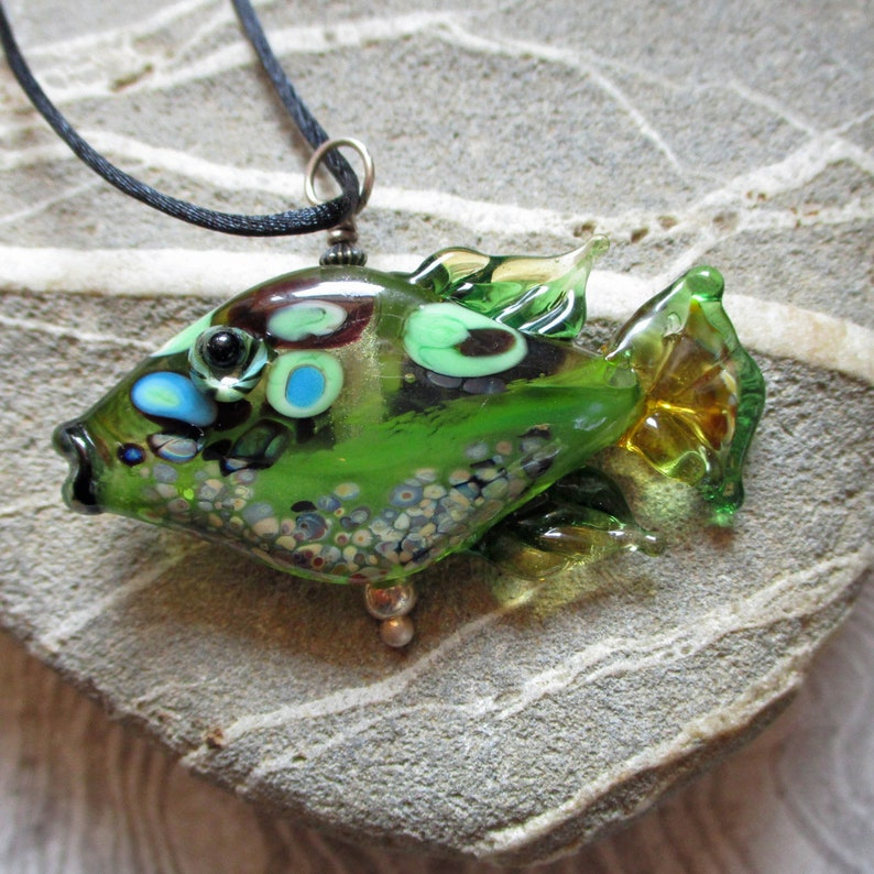 Green Fish necklace lampwork glass bead pendant 'tiddly image 0