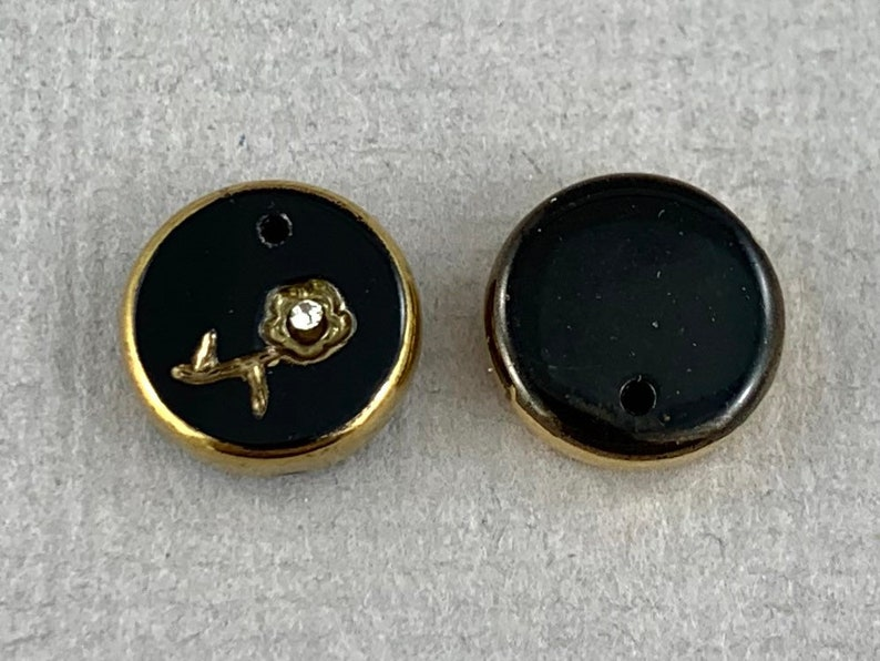 flower 2pc Gilded black glass circle pendant MG385-d0 12mm Vintage crystal chaton top drilled charm