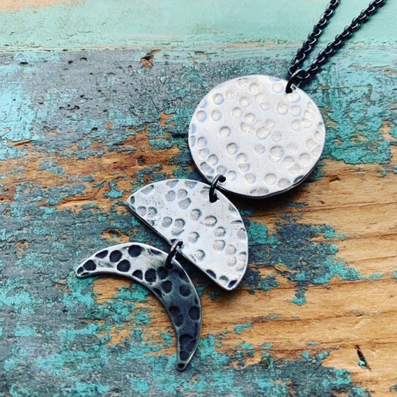 3 Moon Phases Necklace - Vertical