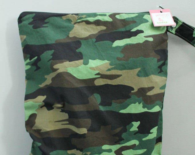 wetbag Wet bag ICKY Bag XL green camo PETUNIAS diaper bag cloth diapers large wet proof gym bag travel swim pool kids beach zipper
