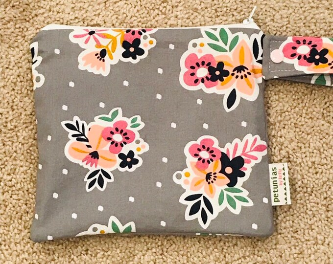 wetbag wet bag The ICKY Bag petite grey floral modern baby gift waterproof gym sports cloth diaper pouch zipper handle baby gift