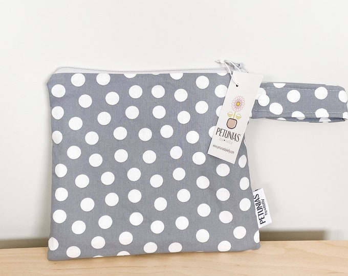 The ICKY Bag petite - wetbag - PETUNIAS by Kelly - white scattered dots on grey