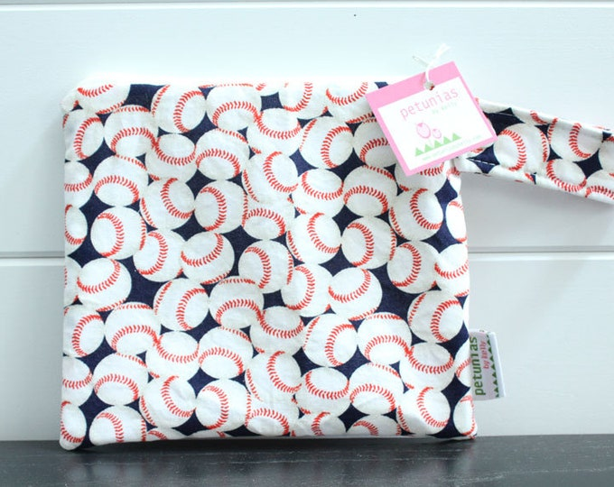 wetbag wet bag The ICKY Bag petite baseball navy red modern baby gift waterproof gym sports cloth diaper pouch zipper handle baby gift