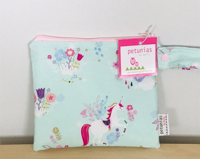 wetbag wet bag The ICKY Bag petite unicorn modern baby gift waterproof gym sports cloth diaper pouch zipper handle baby gift