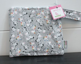 wetbag wet bag The ICKY Bag petite grey zebra modern baby gift waterproof gym sports cloth diaper pouch zipper handle baby gift