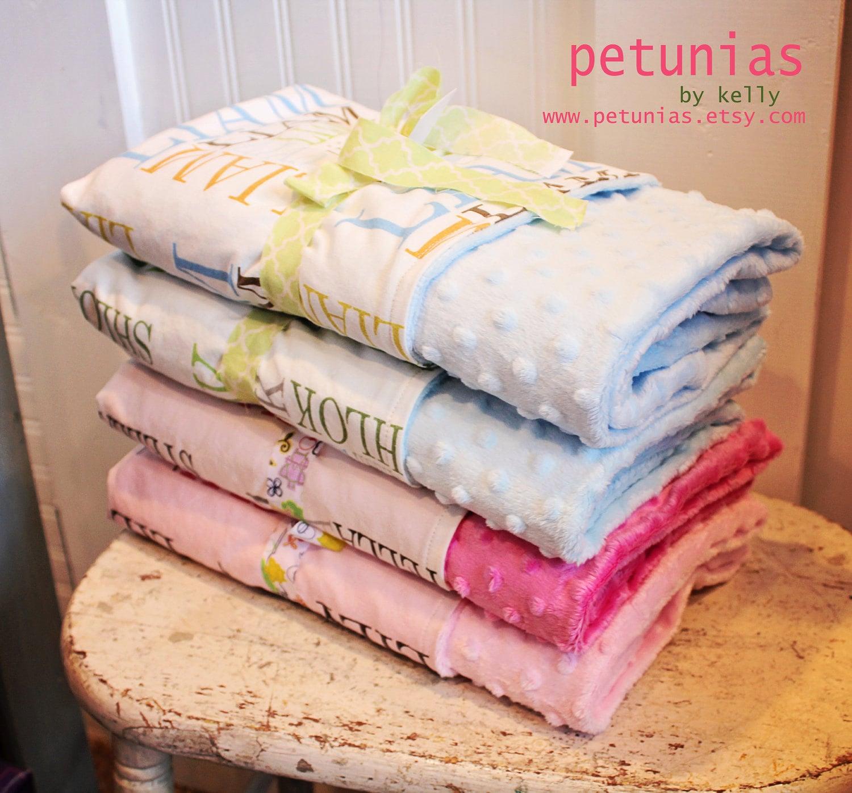 Birth Stat Custom Minky Personalized Baby Blanket par PETUNIAS soft luxury photography prop birth announcement shower gift nouveau-né