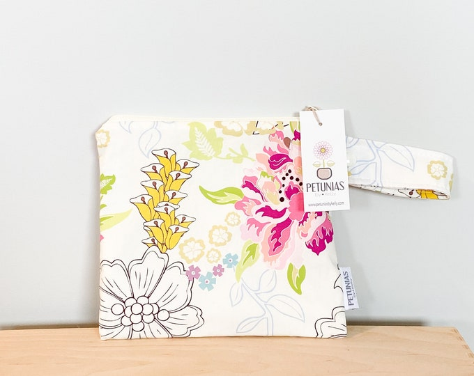The ICKY Bag petite - wetbag - PETUNIAS by Kelly - ivory delicate floral