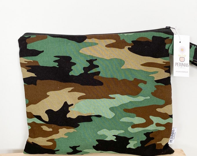 The ICKY Bag - wetbag - PETUNIAS by Kelly - green camo