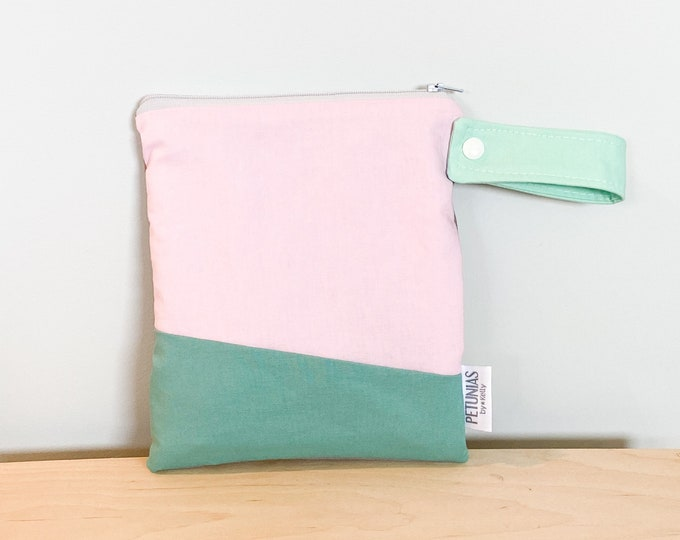 The ICKY Bag petite - wetbag - PETUNIAS by Kelly - Simply Color Series - color block