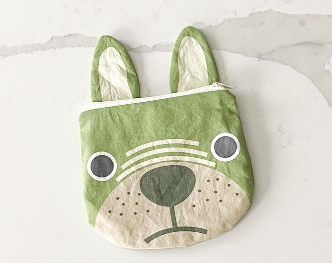 The ICKY Bag mini wetbag - animal zipper pouch - snack bag - PETUNIAS by Kelly - green pug