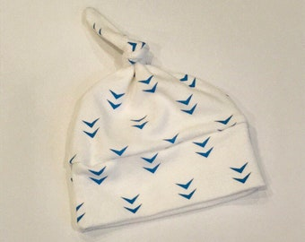 baby hat blue white arrow Organic knot modern newborn shower gift photography prop hospital outfit accessory neutral girl boy