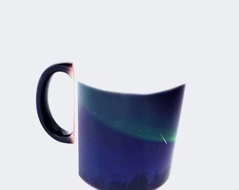 Northern Lights color changing mug with shooting star heat activated