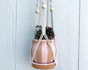No Tail Macrame Plant Hanger • 36-Inch • 4mm • Lamb's Wool w/Natural Wood Beads