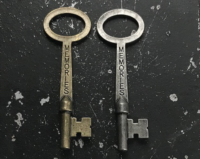 Memories Key, Charms with Words for DIY Jewelry Assemblge Industrial Vintage Style Jewelry Findings, Lead and Nickel Free Key