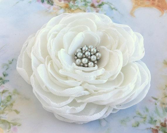 Ivory Bridal Hair Piece.Ivory Flower Brooch.Ivory Flower Hair Clip.Ivory Peony Fabric Flower.Ivory Peony Hair Clip.Ivory Chiffon Flower Pin
