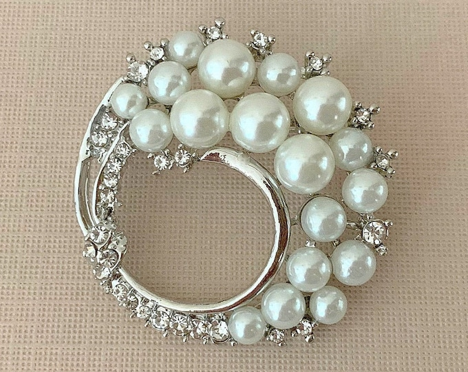 Art Deco Style Pearl Platinum Brooch Pin