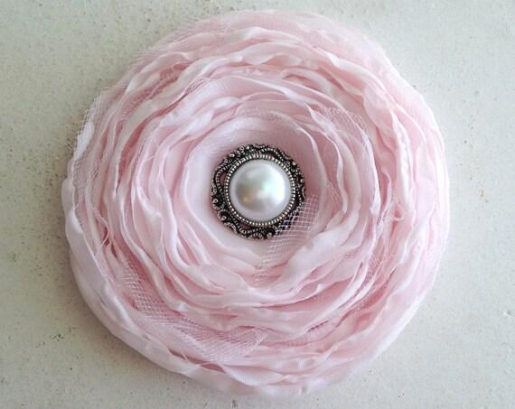Petal Pink Flower Hair Clip.Light Pink Hair Piece.Pink Hair Accessory.Bridal Flower.Headpiece.Bridesmaid.Pink Flower Brooch.Pink Flower pin