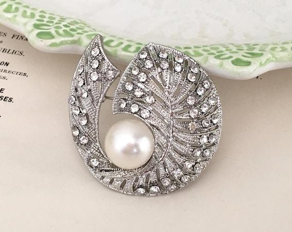 Art Deco Leaf Brooch.Rhinestone Pearl Brooch.Rhinestone Leaf Brooch.Crystal Leaves Brooch.Leaf Pin.broach.vintage style.bridal brooch pin