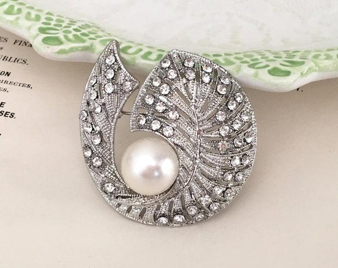 Art Deco Pearl Leaf Brooch Pin