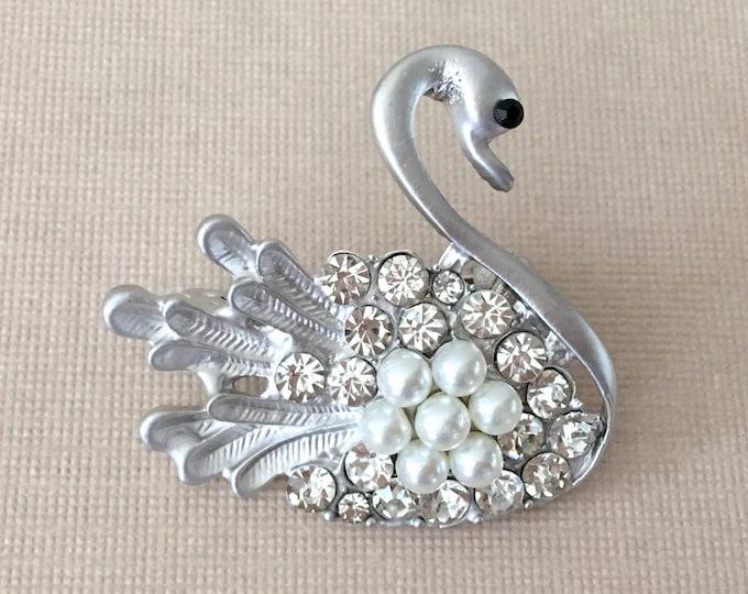 Swan Pearl & Rhinestone Brooch Pin