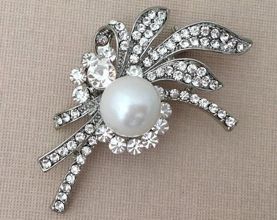 Crystal Pearl & Platinum Brooch.SLIGHT SECONDS*