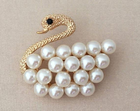 Gold Swan Brooch.Swan Brooch.Gold Pearl Swan Brooch.gold Swan Pin.Wedding Accessory.Bridal Brooch Pin.Gold Swan Broach.Bridesmaid