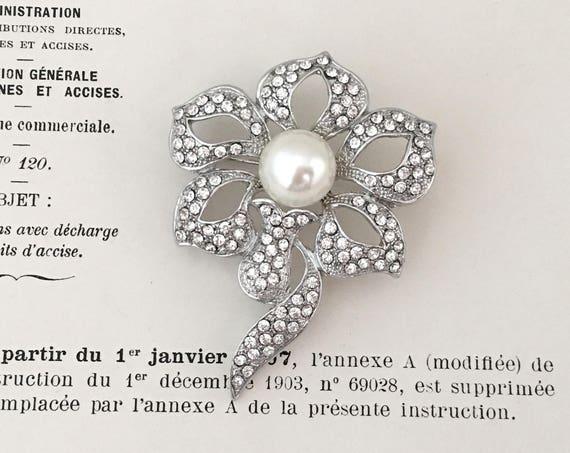 Flower Crystal Brooch.Silver Pearl Rhinestone Brooch.Crystal Pearl Brooch.Flower Pin.Edwardian Style.Vintage Style.Wedding Accessory.Bridal