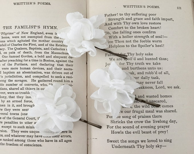Mini White Flower Hair Pin Set. Set of 3.