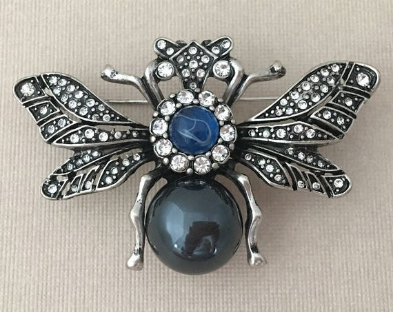 Vintage Style Bee Brooch.Rhinestone Bee Brooch.Crystal Bee Brooch.Blue Silver Bee.Large Bee Brooch.Bridal.Bee Pin.Wedding Accessory.Bee Pin