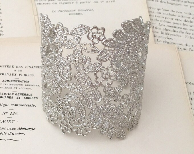 Silver Lace Filigree Cuff Bracelet. Platinum Tone Metal Color