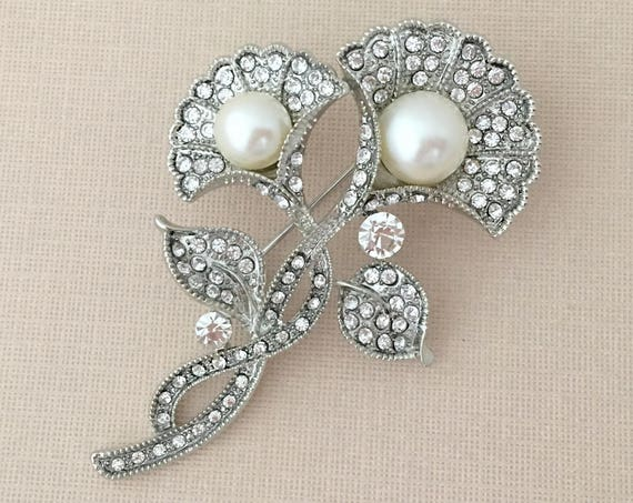Art Deco Style Pearl Rhinestone Brooch Pin