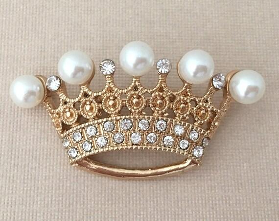 Pearl, Rhinestone & Gold Crown Brooch Pin