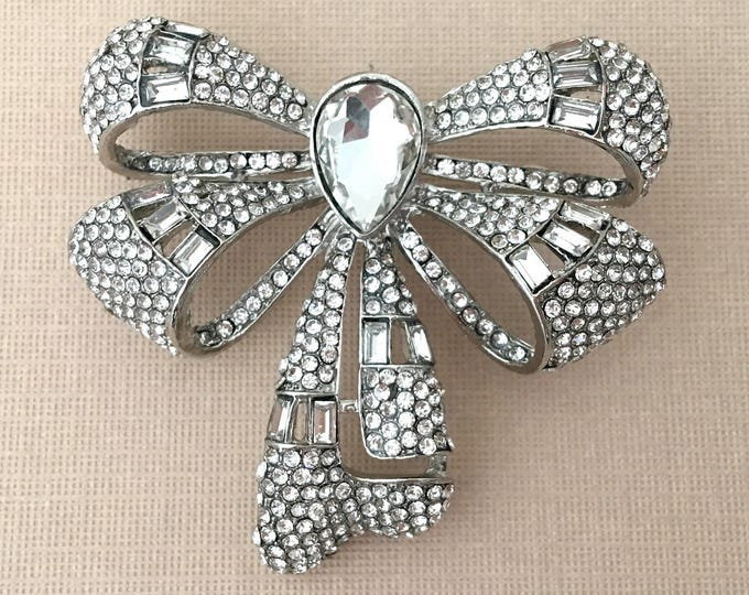 Art Deco Style Bow Brooch Pin