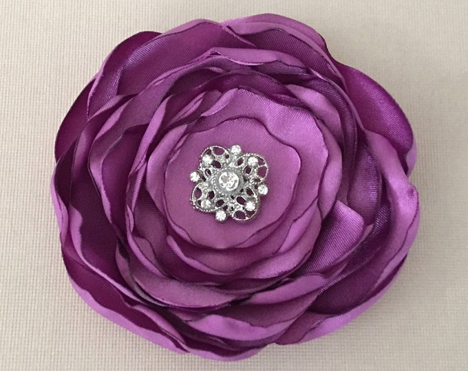 Orchid Purple Flower Hair Clip or Brooch Pin. Choose your size and button/bead finish. Handmade.