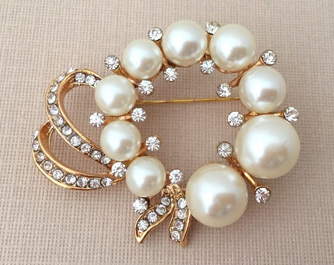 Gold Pearl Wreath Brooch Pin. SLIGHT SECONDS JEWELRY*.