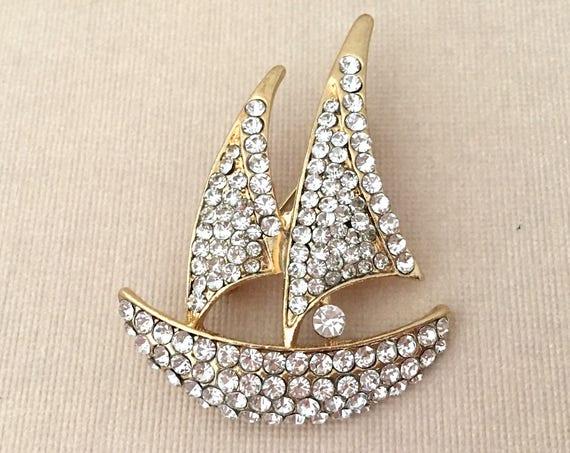 Sailboat Brooch.Gold Sailboat Brooch.Sailboat Pin.Sailboat Broach.Crystal.Rhinestone.Unisex.Wedding Accessory.Bridal Brooch Pin.Boating