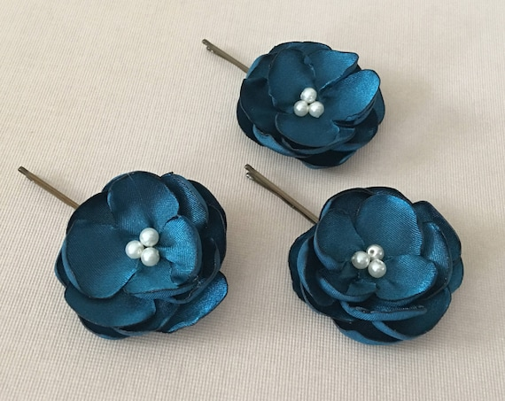 3 Small Teal Flower Hair Pins. Choose bead finish and bobby pin color.